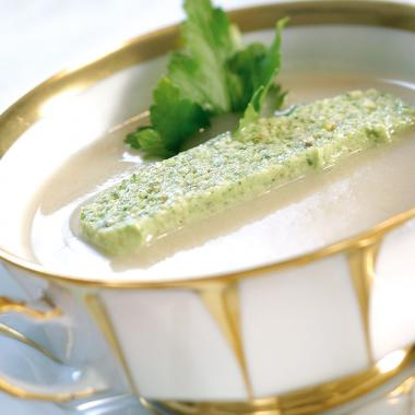 Celery soup with parsley